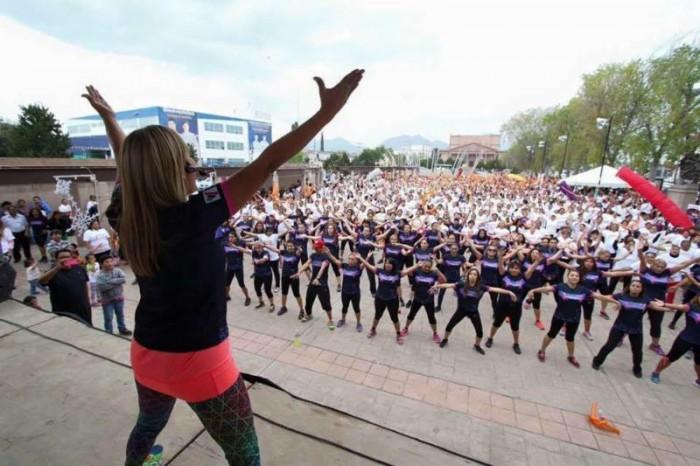 Participan más de 8 mil saltillenses en clases Bailoterapia