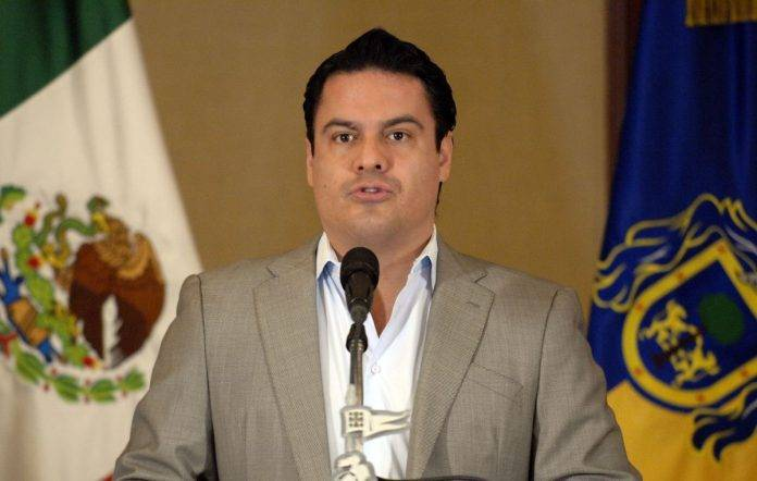 Destituido fiscal de Jalisco por asunto de trailer con cadáveres