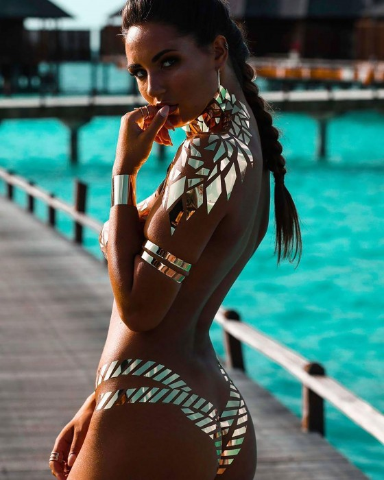 black_tape_project_los_bikinis_mas_sexys__864600593_2398x3000