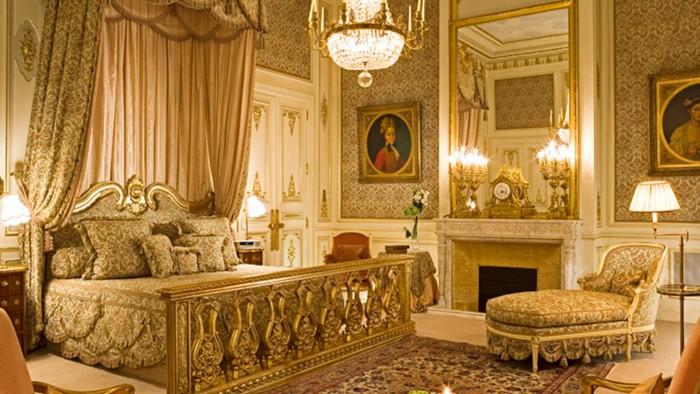 Roban más de 17 mdp en joyas a princesa saudí en hotel Ritz de París