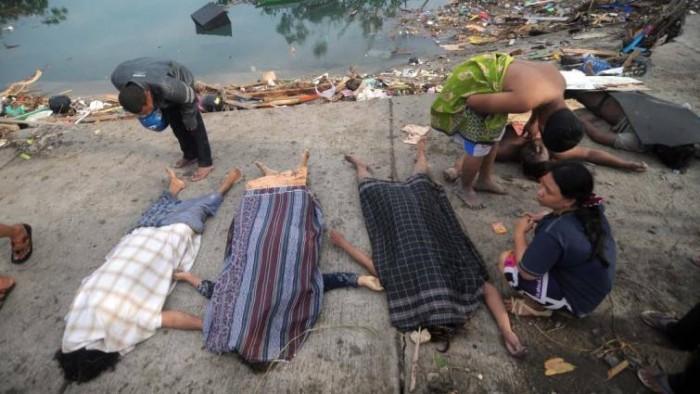 Indonesia: la cifra de muertos por el terremoto y tsunami supera los 800 y autoridades alertan de que podrían ser miles