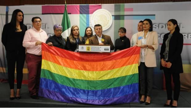 PRD propone legalizar el matrimonio igualitario para mayores de edad