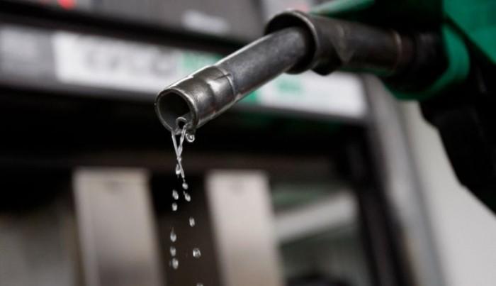 El 'coctel peligroso' que te haría pagar más por la gasolina