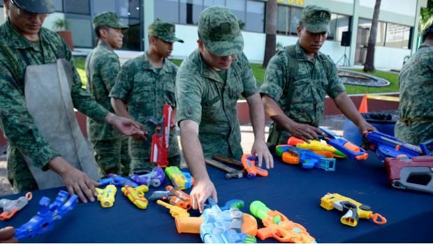 Coparmex se pronuncia a favor de penalizar uso de armas de juguete