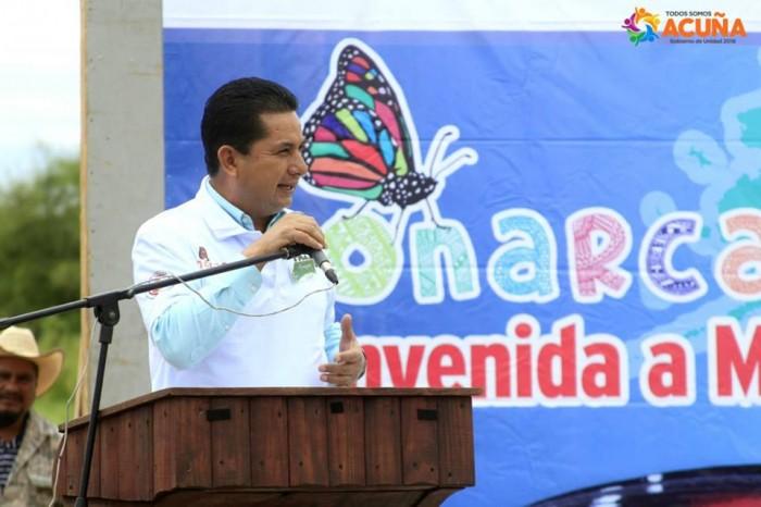 """Firman Iniciativa """"Mi Municipio con la Monarca"""" en Acuña Coahuila."""