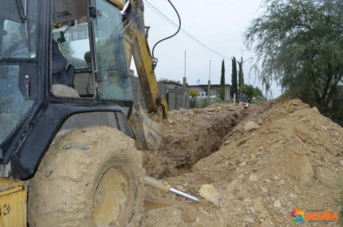 Avanzan trabajos de red de drenaje sanitario en Col. Las Torres.