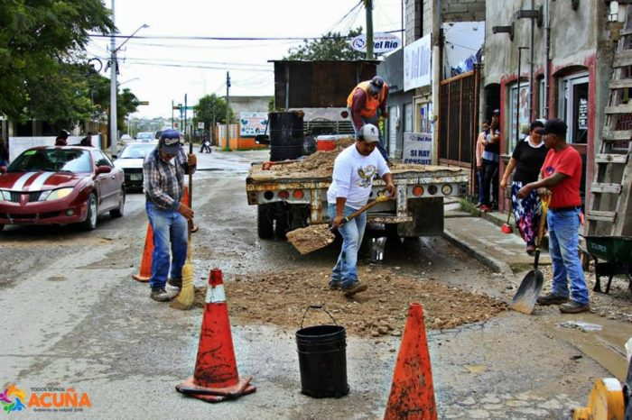 ImplementanProgramaEmergente deBacheoenAcuñaCoahuila.
