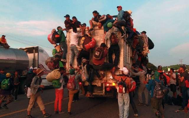 Vienen más migrantes centroamericanos; se organizan en redes