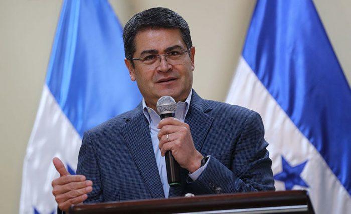 Presidente de Honduras anuncia creación de 5 mil empleos para combatir crisis de migrantes