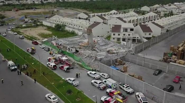 Se derrumba construcción de plaza comercial en Cumbres del Sol; Monterrey