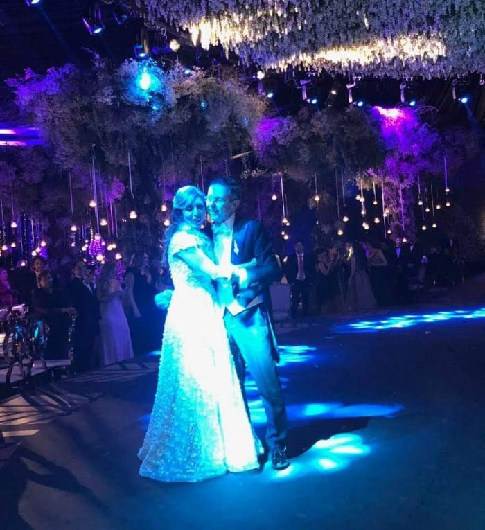 Imágenes de la boda de César Yañez mano derecha de Amlo y Dulce María Silva acusada en 2016 de poseer recursos de procedencia ilícita