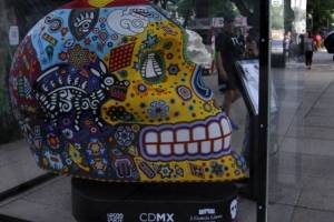 Mexicráneos de todos los colores invaden Paseo de la Reforma