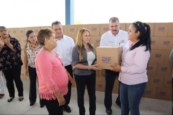 ENTREGA DIF 2 MIL 700 APOYOS ALIMENTARIOS EN LA REGIÓN CENTRO