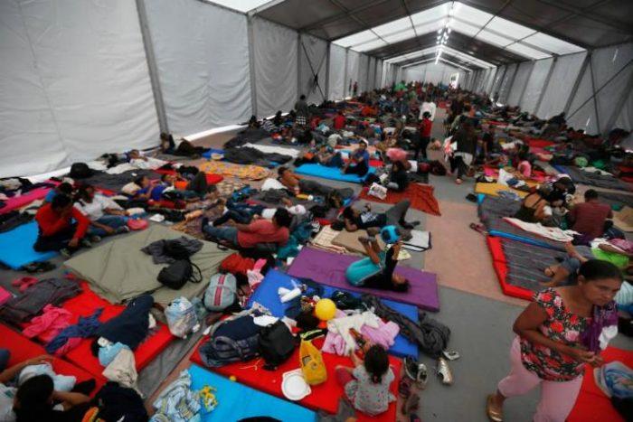 Son ya siete mil migrantes en la Magdalena Mixhuca