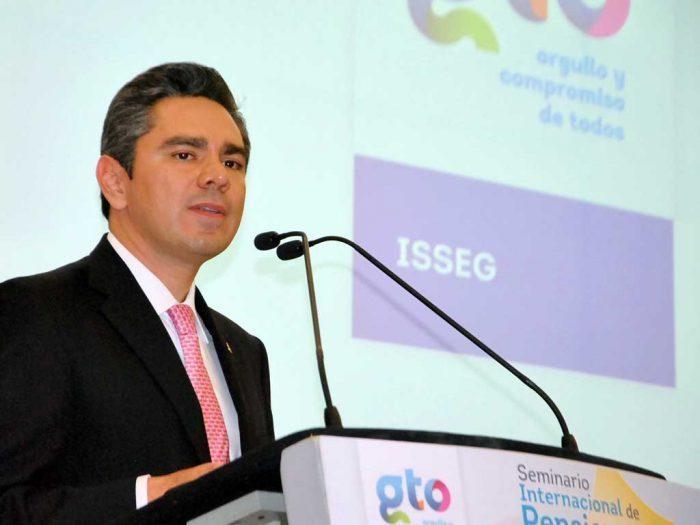 Guanajuato aplicará impuesto a vehículos de lujo