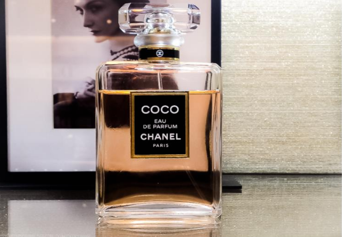 Perfumes que cualquier mujer desea.