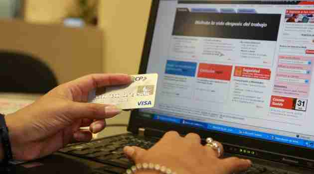 El avance tecnológico provoca una ola de despidos sin precedentes en la banca mexicana