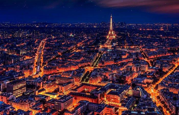Jóvenes inspirados en The Purge realizan desmanes en Francia