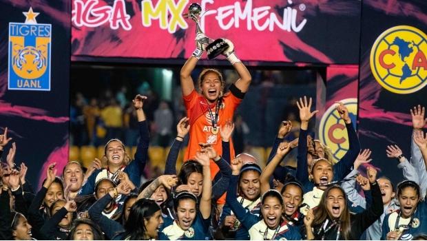 América destrona a Tigres y levanta el título de la Liga MX Femenil