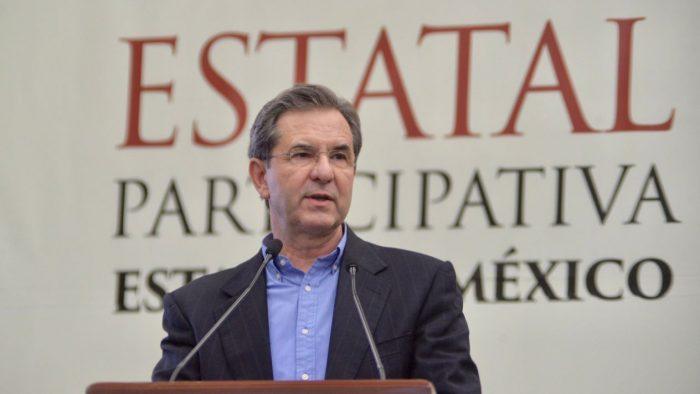 Con profesores que no se presenten a clases 'seremos implacables', asegura Moctezuma