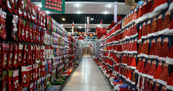 Guerra comercial de Trump no afecta a Yiwu, la ciudad china que 'fabrica' la Navidad