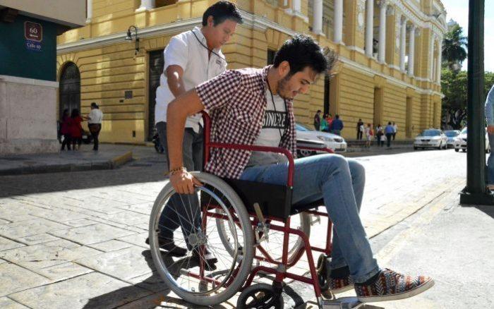 AMLO anuncia que iniciará entrega de un millón de pensiones a personas con discapacidad