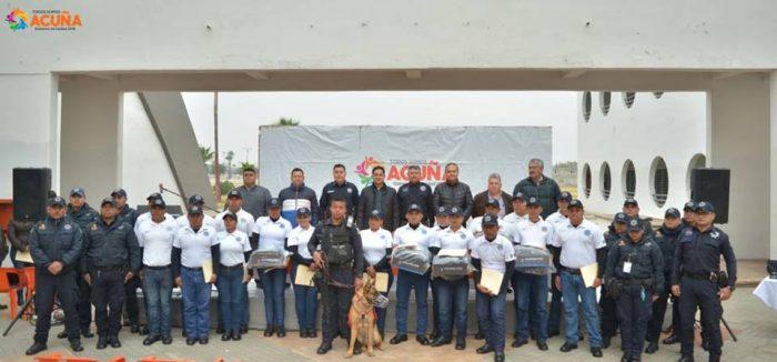 Toma Alcalde Roberto de los Santos protesta a nuevos cadetes