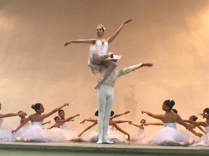 "Sigue éxito de ""El Cascanueces"", de la escuela de Danza de Coahuila"