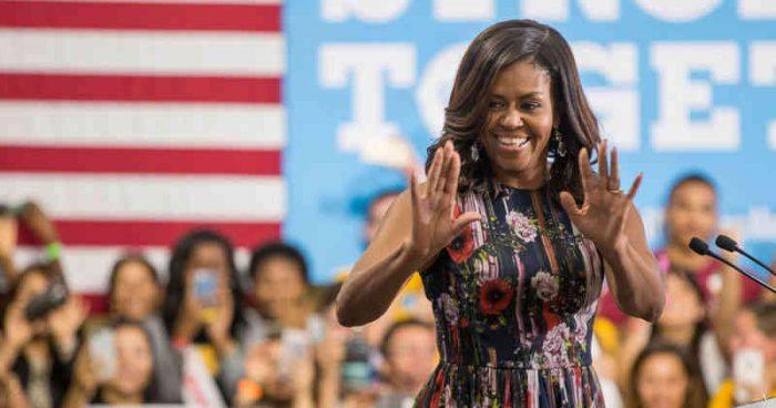 """Michelle Obama desbanca a Hillary en la lista de """"mujeres más admiradas"""" de EU"""