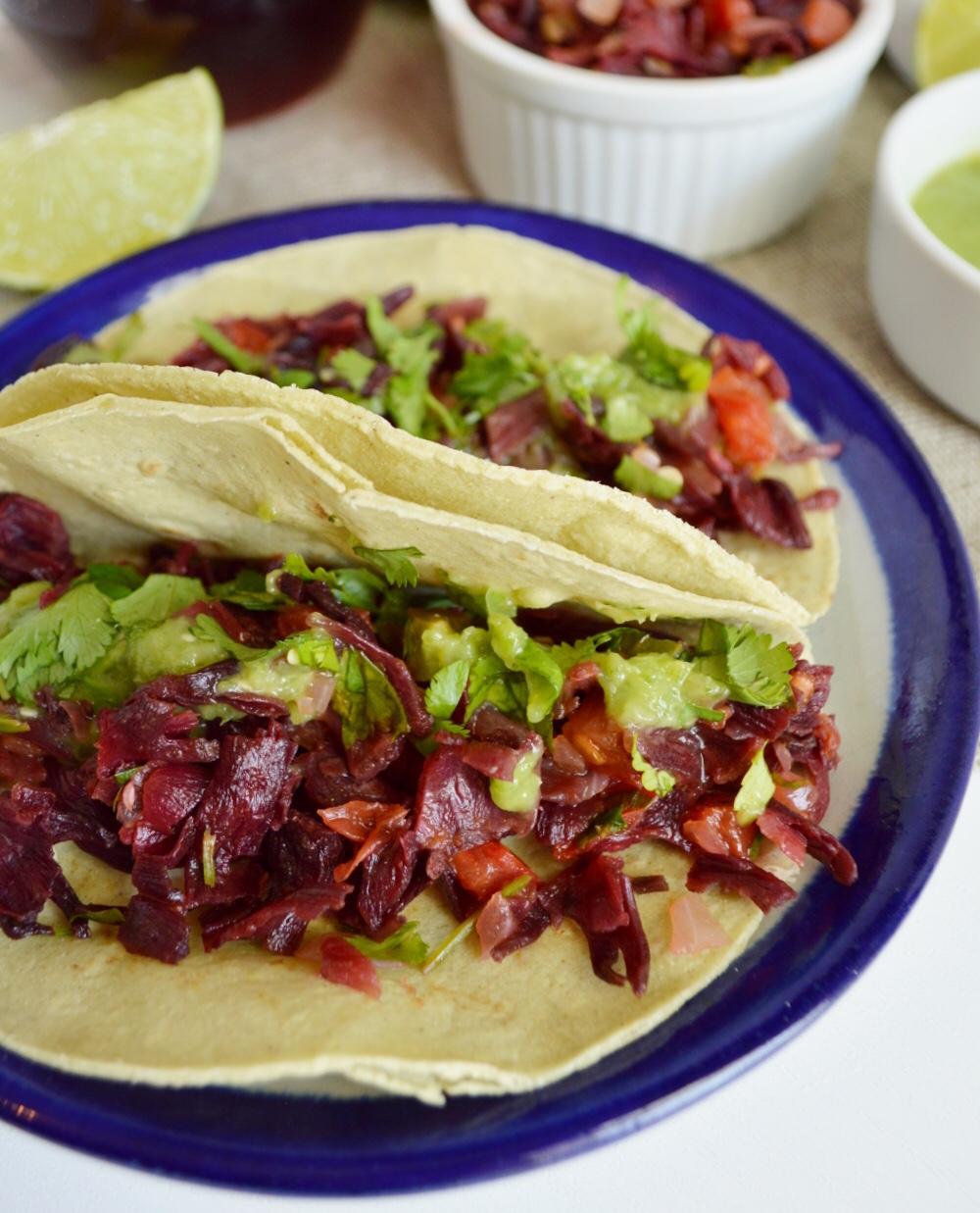 Tacos de Jamaica a la Mexicana.