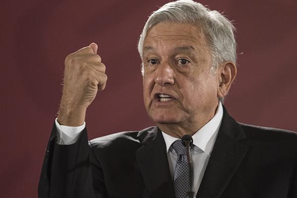 López Obrador presenta programa para acabar con extorsiones a paisanos