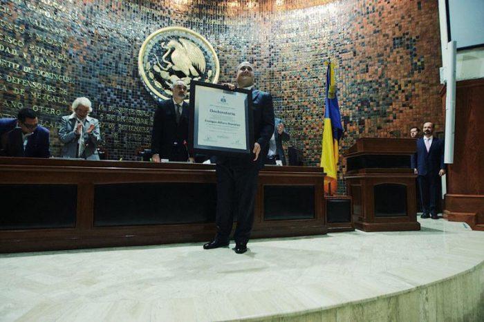 Alfaro asume gubernatura de Jalisco y advierte que su gobierno no será sumiso