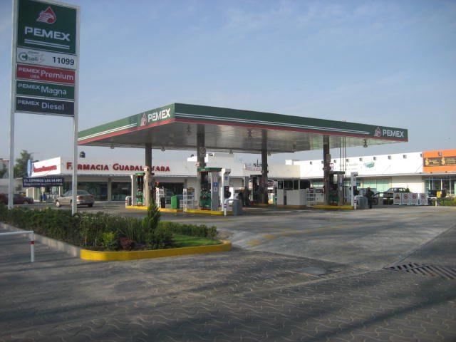 Afecta ya a 50% de empresas de Querétaro la falta de gasolina