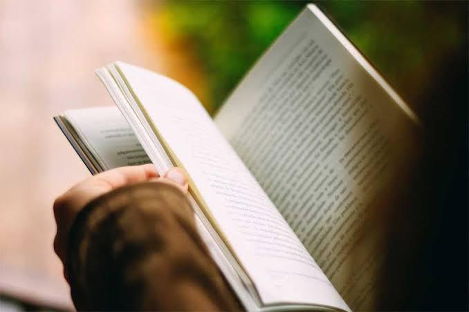 Lista de libros que cualquier amante de la literatura debe leer.