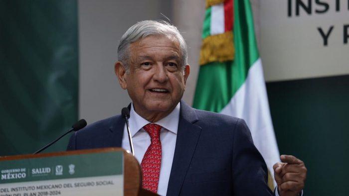 Está funcionando la estrategia contra el huachicol, resalta López Obrador