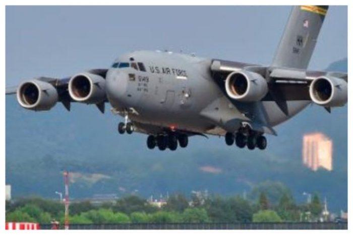 Parte hacia Venezuela el primero de los 3 aviones militares con ayuda de EE.UU.