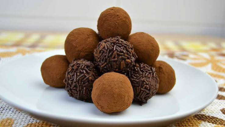 Trufas de chocolate con 2 ingredientes.