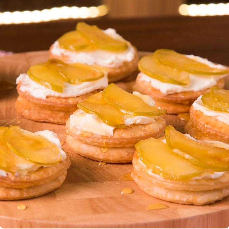 Galletas de hojaldre con manzana.
