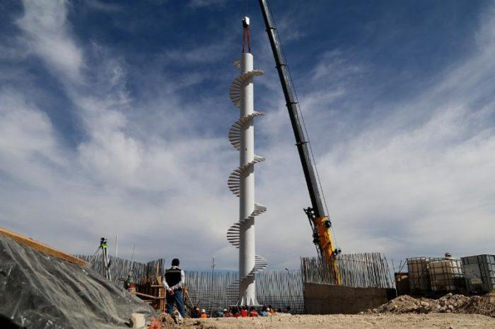 Instalan con éxito estructura para el Mirador de la Plaza México