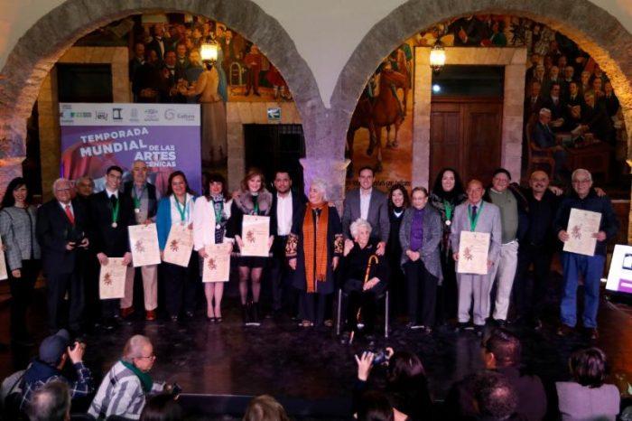 Alcalde refrenda su apoyo por el teatro y la cultura