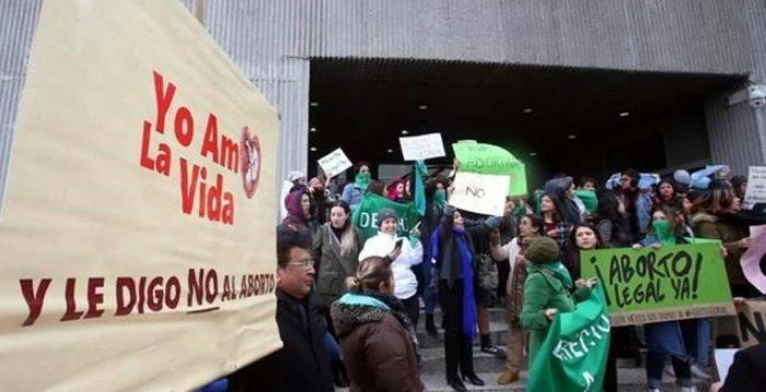 Nuevo León aprueba una reforma que penaliza el aborto