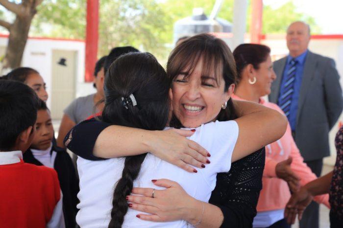 Entrega Estado  de Nuevo León aula en zona sur