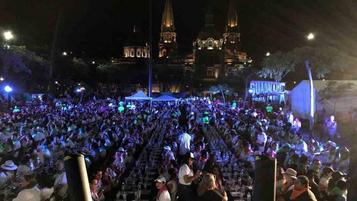 Jalisco obtiene Récord Guinness con la mayor cata de tequila del mundo