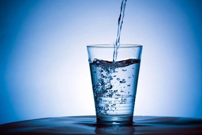 Benéficos de beber Agua Alcalina.