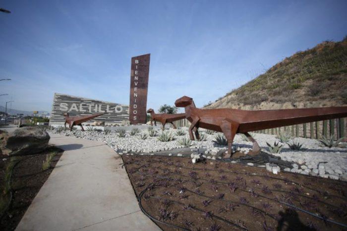Por concluir obra de la entrada de Saltillo