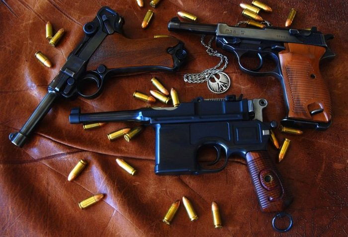 Luger V/S Walther