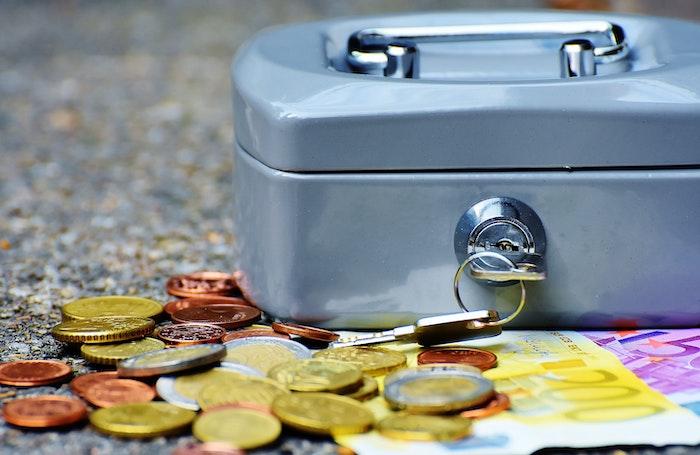 Asegura y almacena tu dinero en cuentas bancarias de calidad