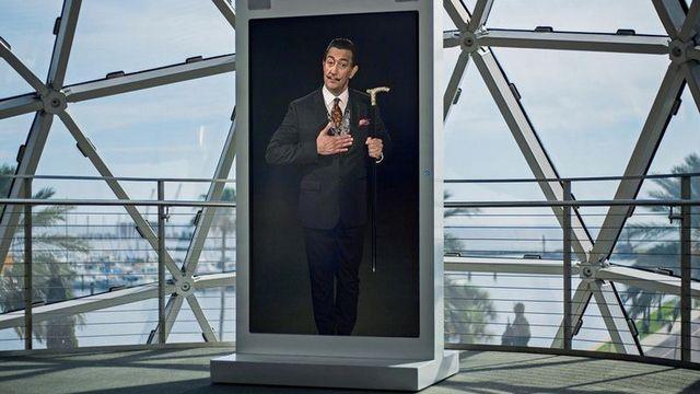 Salvador Dalí revive para tomarse selfies con Inteligencia Artificial