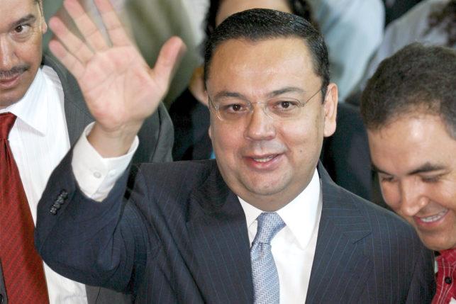 Germán Martínez Cázares solicita incorporarse al Senado tras renunciar como director del IMSS