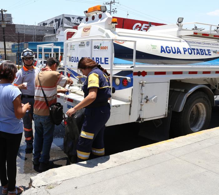 Arranca operativo de hidratación y atención médica en Nuevo León.